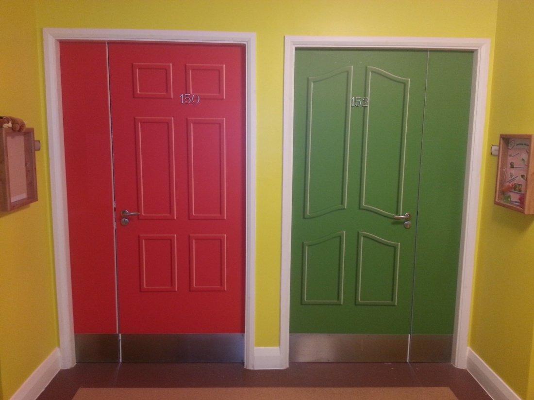 Care home door manifestation & Care home door manifestation - Baseline Signs